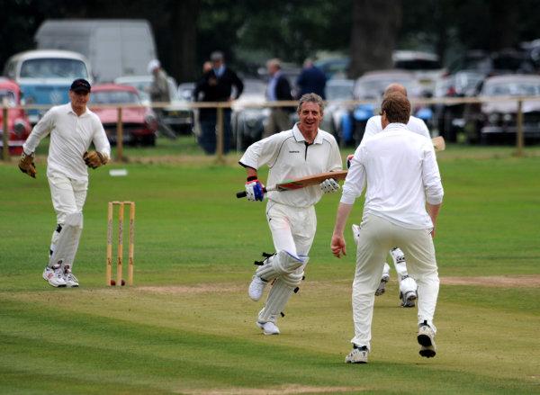 2014 Goodwood Revival Meeting Goodwood Estate, West Sussex, England 12th - 14th September 2014 Cricket Jason Plato World Copyright: Jeff Bloxham/LAT Photographic ref: Digital Image DSC_9758