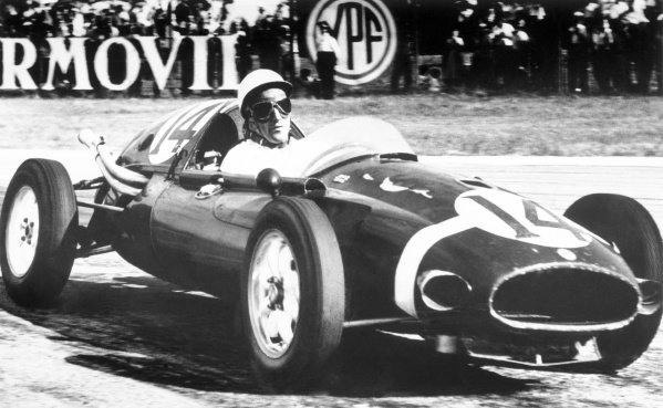 1958 Argentine Grand PrixBuenos Aires, Argentina. 19th January 1958Stirling Moss (Cooper T43 Climax),1st position and the first victory for a rear-engined car, action.World Copyright: LAT Photographicref: Autocar B/W Print