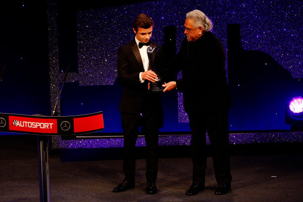 2016 Autosport Awards. Grosvenor House Hotel, Park Lane, London. Sunday 4 December 2016.  Lando Norris is presented with the British Club Driver of the Year trophy by Vijay Mallya  World Copyright: /LAT Photographic. ref: Digital Image _14P9255