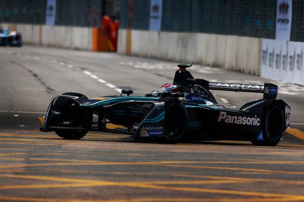 Suzuka Circuit, Japan. Sunday 09 October 2016. Adam Carroll (47, Panasonic Jaguar Racing) World Copyright: Zak Mauger/LAT Photographic ref: Digital Image _L0U0831