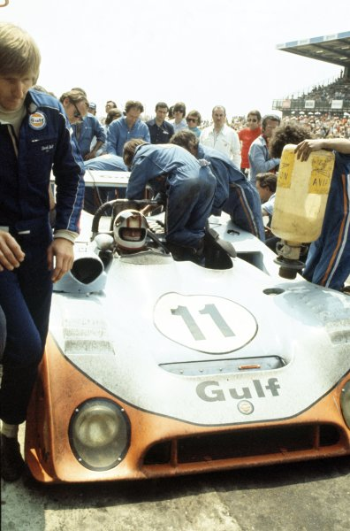 1974 Le Mans 24 hours.Le Mans, France. 15-16 June 1974.Mike Hailwood/Derek Bell (Gulf Mirage GR7-Ford), 4th position, before the start.World Copyright: LAT PhotographicRef: 35mm transparency 74LM18