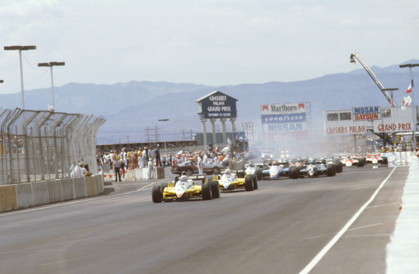 Las Vegas, Nevada, USA.23-25 September 1982.Alain Prost and Rene Arnoux (both Renault RE30B's) lead the field away at the start.Ref-82 LV 06.World Copyright - LAT Photographic