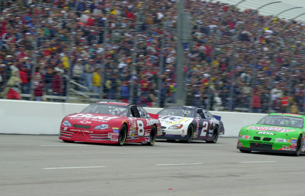 NASCAR DIRECTV 500, 2-4-2000, Ft. Worth, Texas, USA-2000, Phillip AbbottDale Earnhardt, Jr. leads Rusty Wallace (2) and Bobby Labonte (18) in the late stages of the race. LAT PHOTOGRAPHIC