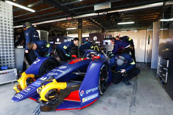 Sam Bird (GBR), Envision Virgin Racing, Audi e-tron FE05, in his garage
