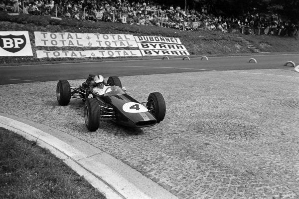 Denny Hulme, Brabham BT16 Ford.