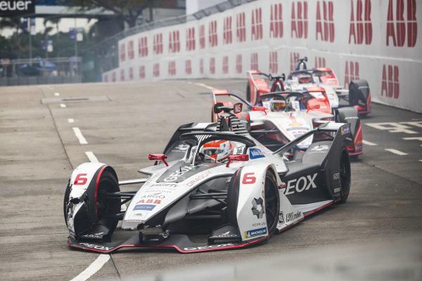 Felipe Nasr (BRA), GEOX Dragon Racing, Penske EV-3 leads Pascal Wehrlein (DEU), Mahindra Racing, M5 Electro and Jérôme d'Ambrosio (BEL), Mahindra Racing, M5 Electro