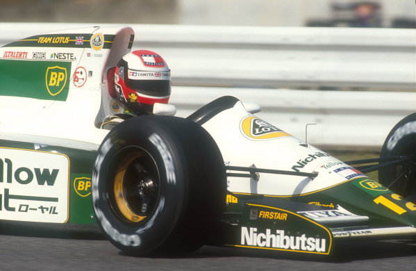 1991 Japanese Grand Prix.Suzuka, Japan.18-20 October 1991.Johnny Herbert (Lotus 102B Judd). He exited the race when his engine cut out on lap 31.Ref-91 JAP 23.World Copyright - LAT Photographic