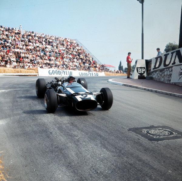 Monte Carlo, Monaco. 19-22 May 1966.Richie Ginther (Cooper T81 Maserati). Ref-3/2084.World Copyright - LAT Photographic
