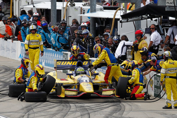 22-23 June, 2013,Newton, Iowa, USA Tony Kanaan pit stop.(c) 2013, Perry Nelson LAT Photo USA