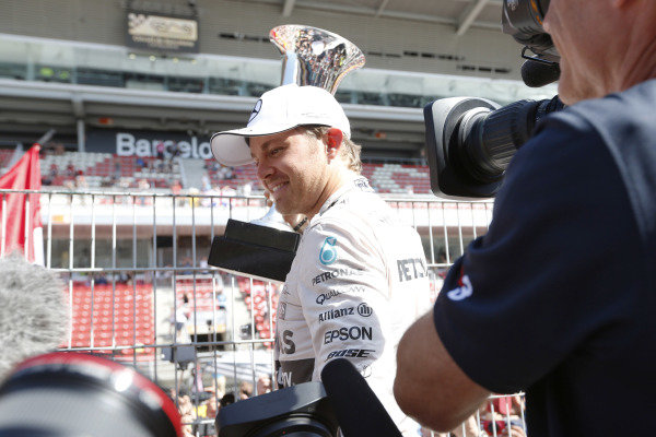 Circuit de Catalunya, Barcelona, Spain. Sunday 10 May 2015. Nico Rosberg, Mercedes AMG, 1st Position, with his trophy. World Copyright: Alastair Staley/LAT Photographic. ref: Digital Image _R6T7198