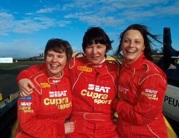 (L to R): Barbara Armstrong (GBR); Louise Aitken-Walker (GBR); Vikki Butler-Henderson (GBR).TV Masters Challenge, Silverstone, England, 21 February 1999.