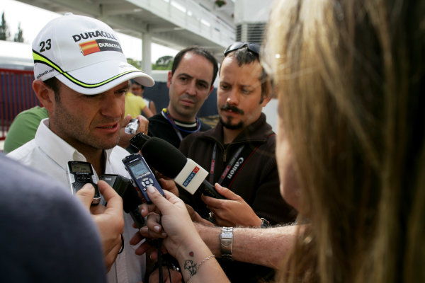 Circuit de Catalunya, Barcelona, Spain8th May 2009Rubens Barrichello, Brawn GP BGP001 Mercedes gives an interview in the paddock. Portrait.World Copyright: Charles Coates/LAT Photographicref: Digital Image ZK5Y1166