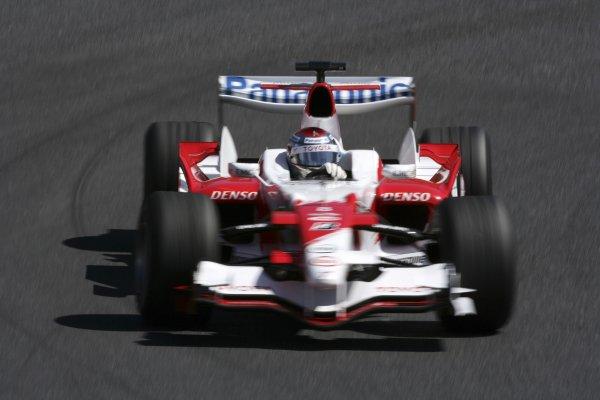 2006 Japanese Grand Prix - Saturday Practice Suzuka, Japan. 5th - 8th October 2006 Jarno Trulli, Toyota TF106B, action. World Copyright: Charles Coates/LAT Photographic. ref: Digital Image ZK5Y6560