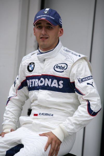 2006 Hungarian Grand Prix - Thursday PreviewHungaroring, Budapest, Hungary. 3rd - 6th August.Robert Kubica, BMW Sauber F1 06. Portrait.World Copyright: Charles Coates/LAT Photographicref: Digital Image ZK5Y2755