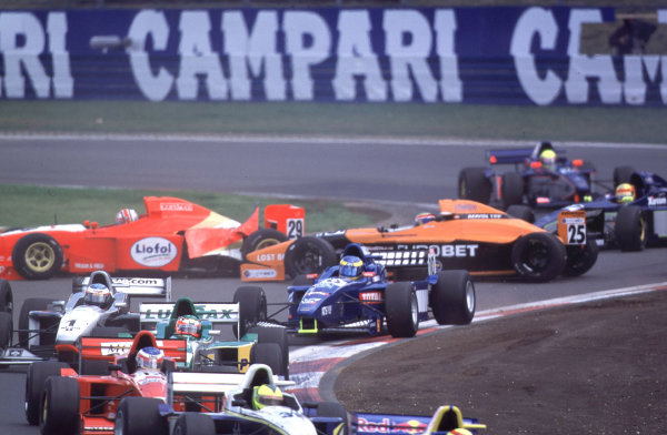International Formula 3000 Championship Nurburgring, Germany. 19th - 20th May 2000 Mark Webber and Jamie Davies spin at the first corner, Webber would retire with Davies rejoining to finish 9th World - Bellanca/LAT Photographic