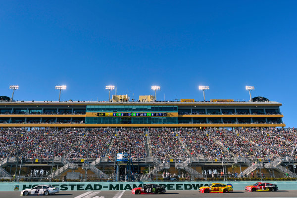 Monster Energy NASCAR Cup Series Ford EcoBoost 400 Homestead-Miami Speedway, Homestead, FL USA Sunday 19 November 2017 Brad Keselowski, Team Penske, Miller Lite Ford Fusion and Kurt Busch, Stewart-Haas Racing, Haas Automation/Monster Energy Ford Fusion World Copyright: Nigel Kinrade LAT Images