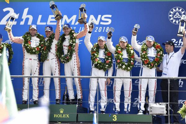 #92 Porsche GT Team Porsche 911 RSR: Michael Christensen, Kevin Estre, Laurens Vanthoor, #68 Ford Chip Ganassi Racing Ford GT: Joey Hand, Dirk Müller, Sébastien Bourdais, podium