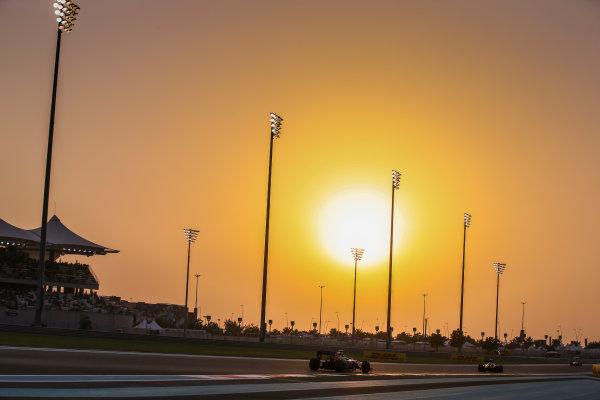 Yas Marina Circuit, Abu Dhabi, United Arab Emirates. Saturday 26 November 2016. Daniil Kvyat, Toro Rosso STR11 Ferrari. World Copyright: Charles Coates/LAT Photographic ref: Digital Image DJ5R5957