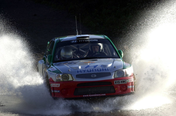 2001 World Rally Championship. ArgentinaMay 3rd-6th, 2001Alister McRae drives through a watersplash during shakedown.Photo: Ralph Hardwick/LAT