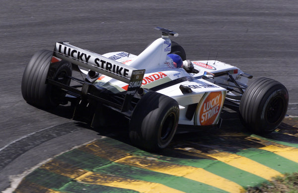 2002 Brazilian Grand Prix - RaceInterlagos, Brazil. 31 March 2002Jacques Villeneuve, BAR Honda 004, rear action.World Copyright: Pic Steve Etherington/LAT PhotographicRef: 18mb Digital Image Only