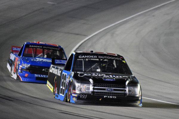 #99: Ben Rhodes, ThorSport Racing, Ford F-150 and #52: Stewart Friesen, Halmar Friesen Racing, Chevrolet Silverado Halmar International