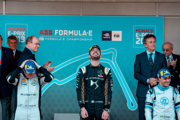 Race winner Jean-Eric Vergne (FRA), DS TECHEETAH on the podium with Oliver Rowland (GBR), Nissan e.Dams, 2nd position, and Felipe Massa (BRA), Venturi Formula E, 3rd position