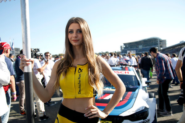 2017 DTM Round 9  Hockenheimring, Germany  Sunday 15 October 2017. Grid girl of Tom Blomqvist, BMW Team RBM, BMW M4 DTM  World Copyright: Alexander Trienitz/LAT Images ref: Digital Image 2017-DTM-HH2-AT1-0721