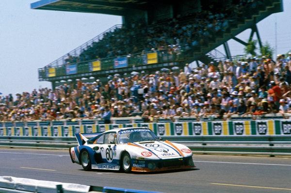Le Mans, France. 13th - 14th June 1981.Dieter Schornstein/Harald Grohs/Gotz von Tschirnhaus (Porsche 935/80), 10th position, action. World Copyright: LAT Photographic.Ref:  81LM05.