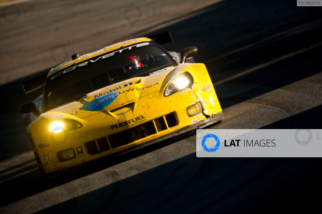 American Le Mans Series. Laguna Seca, Monterey, California. 15th - 17th September 2011. Oliver Gavin / Jan Magnussen, Corvette Racing, Chevrolet Corvette C6 ZR1. Action. Photo: Drew Gibson/LAT Photographic. ref: Digital Image _Y2Z6824