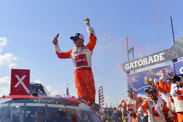 #42: Kyle Larson, Chip Ganassi Racing, Chevrolet Camaro ENEOS celebrates after winning