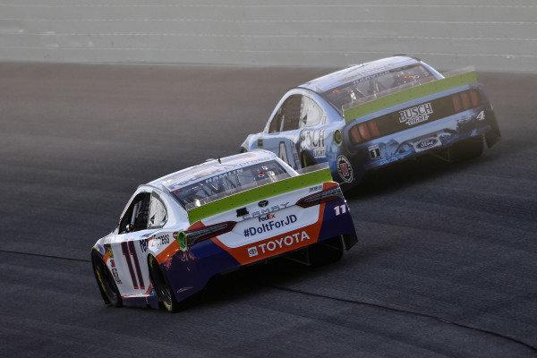 #11: Denny Hamlin, Joe Gibbs Racing, Toyota Camry FedEx Express and #4: Kevin Harvick, Stewart-Haas Racing, Ford Mustang Busch Light