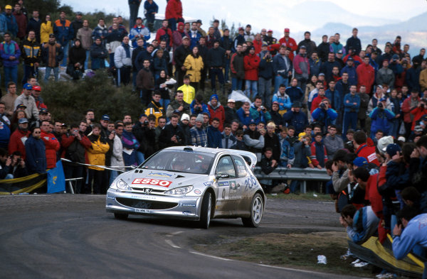 Francois Delecour in action in his Peugeot 206 WRC, Leg 2 Catalunya Rally 2000.Photo:McKlein/LAT