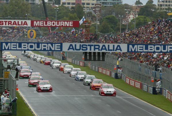 2002 Australian V8 Supercar race.Melbourne, Australia. 3rd March 2002.V8 Supercar 2002 AGP : The V8 Supercars line up on the grid for the start of race 3 at the 2002 Foster's Australian GP.World Copyright - Horsburgh/LAT Photographic