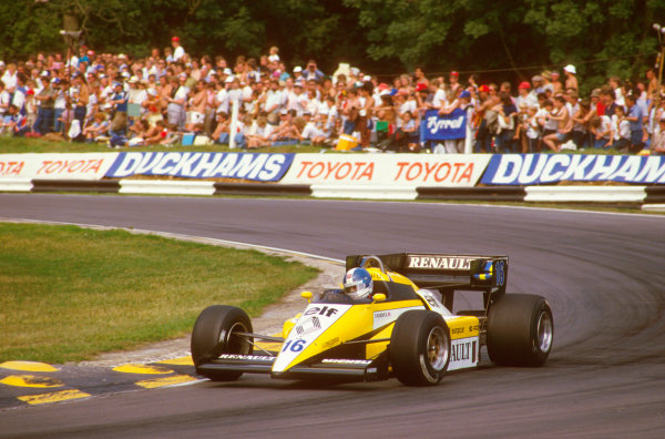 Brands Hatch, England.20-22 July 1984.Derek Warwick (Renault RE50) 2nd position on the exit of Druids.Ref-84 GB 20.World Copyright - LAT Photographic