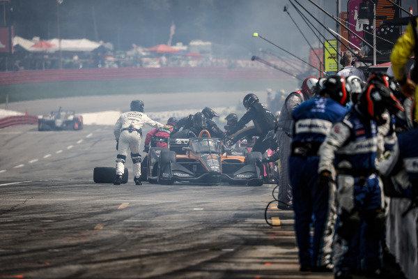 #5: Pato O'Ward, Arrow McLaren SP Chevrolet, pit stop