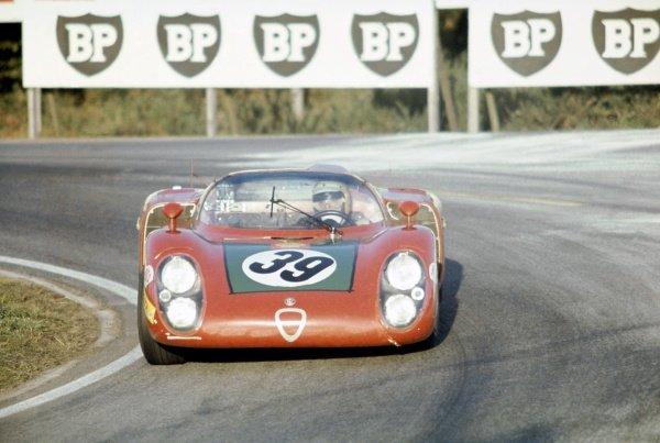 1968 Le Mans 24 hours. Le Mans, France. 28-29 September 1968. Ignazio Giunti/Nanni Galli (Alfa Romeo T33/2), 4th position. World Copyright: LAT Photographic Ref: 68LM11