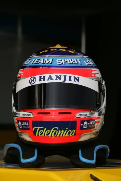2006 San Marino Grand Prix - Thursday Preview Imola, Italy. 20th - 23rd April 2006 Giancarlo Fisichella, Renault R26, new helmet design. World Copyright: Charles Coates/LAT Photographic.  ref: Digital Image ZK5Y7606