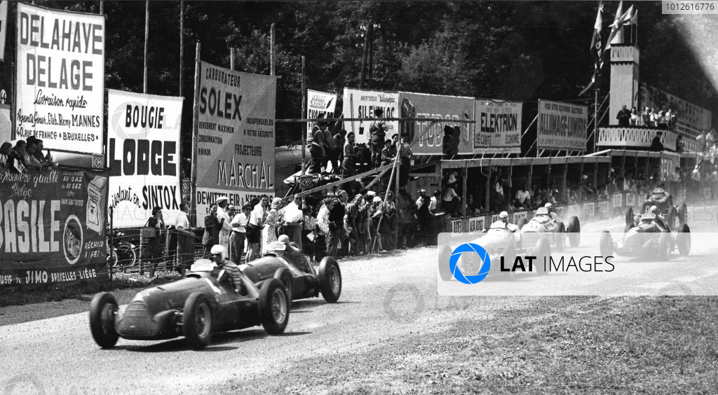 Spa-Francorchamps, Belgium.29 June 1947.Achille Varzi leads Jean-Pierre Wimille (both Alfa Romeo 158), Raymond Sommer (Maserati 4CM), Count Carlo Trossi (Alfa Romeo 158) and Louis Chiron (Lago-Talbot T26C) at the start. Wimille and Varzi finished in 1st and 2nd positions respectively.Published-Autocar 4/7/1947 p566.World Copyright - LAT Photographic