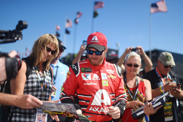 Monster Energy NASCAR Cup Series Homestead-Miami Speedway, Homestead, Florida USA Friday 17 November 2017 Dale Earnhardt Jr., Hendrick Motorsports Chevrolet World Copyright: Rainier Ehrhardt / LAT Images ref: Digital Image DSC_0210