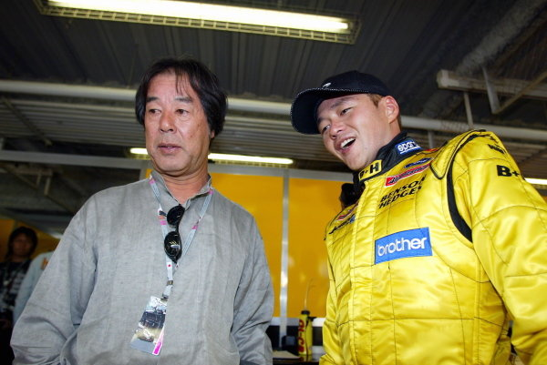 Satoshi Motoyama (JPN) Jordan (Right) with Kazuyoshi Hoshino (JPN) Xbox Impul Team Boss (Left).