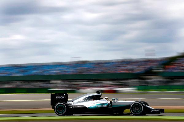 Silverstone, Northamptonshire, UK Friday 08 July 2016. Lewis Hamilton, Mercedes F1 W07 Hybrid. World Copyright: Glenn Dunbar/LAT Photographic ref: Digital Image _V2I6830