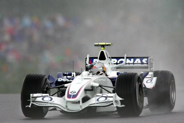 2006 Japanese Grand Prix - Friday Practice Suzuka, Japan. 5th - 8th October 2006 Sebastian Vettel, Sauber F1.06-BMW, action. World Copyright: Glenn Dunbar/LAT Photographic. ref: Digital Image IMG_7506