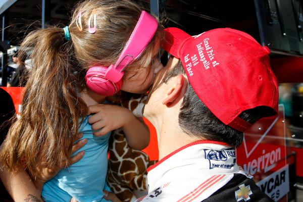 8-10 May, 2014, Indianapolis, Indiana, USA Helio Castroneves gets a post race kiss from his daughter, Mikaella ©2014, Michael L. Levitt LAT Photo USA