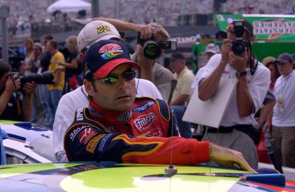 2003 NASCAR-Sharpie 500. Bristol Tenn USA,Aug 22-23,Jeff Gordon getting out of his car after taking time,World Copyright -RobertLeSieur ,July,2003LAT Photographic-ref: digital image
