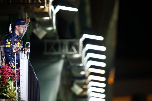 Marina Bay Circuit, Marina Bay, Singapore. Sunday 18 September 2016. Daniel Ricciardo, Red Bull Racing, 2nd Position, on the podium. World Copyright: Andrew Hone/LAT Photographic ref: Digital Image _ONZ8591
