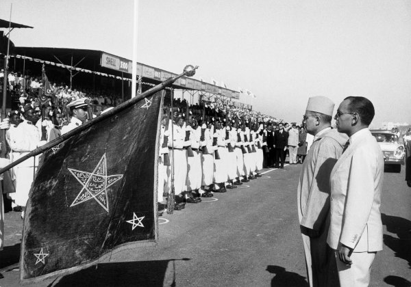 1958 Moroccan Grand Prix. Ain-Diab, Casablanca, Morocco. 17th - 19th October 1958. Sultan Mohammed V and the future King, Hassan II, officially open the circuit before the race, portrait.  World Copyright: LAT Photographic.  Ref:  B/W Print.