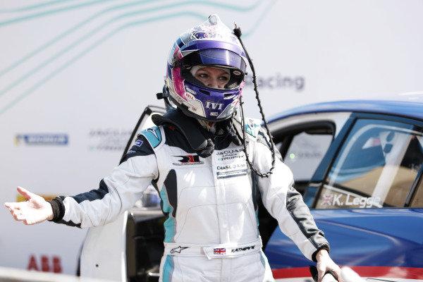 Race winner Katherine Legge (GBR), Rahal Letterman Lanigan Racing in parc ferme