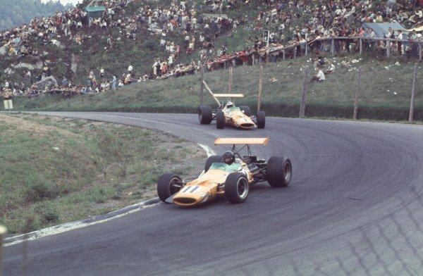 1968 Canadian Grand Prix.Mont-Tremblant, (St. Jovite), Quebec, Canada.20-22 September 1968.Dan Gurney leads Denny Hulme (both McLaren M7A Ford). Hulme finished in 1st position.Ref-68 CAN 17.World Copyright - LAT Photographic