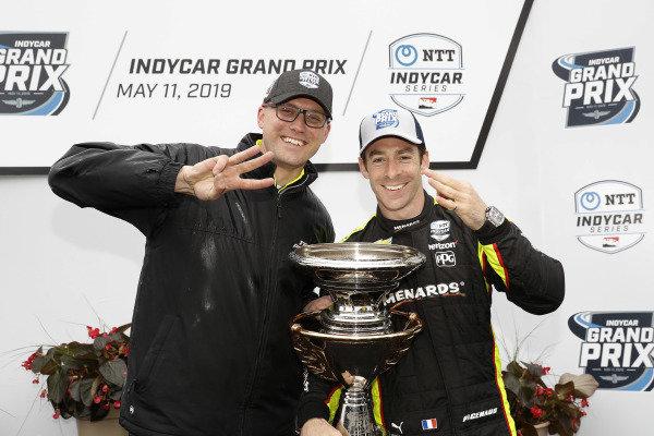 Simon Pagenaud, Team Penske Chevrolet, podium, Ben Bretzman