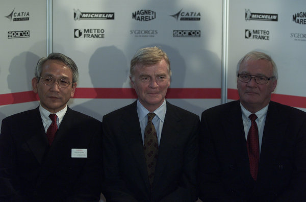 2000 Belgian Grand Prix.Spa-Francorchamps, Belgium. 25-27 August 2000.Toyota Motor Corp. Managing Director and Toyota Motorsport Chairman Tsutomu Tomita with FIA President Max Mosley and Toyota Motorsport President Ove Andersson at a Toyota press conference.World Copyright - LAT Photographic